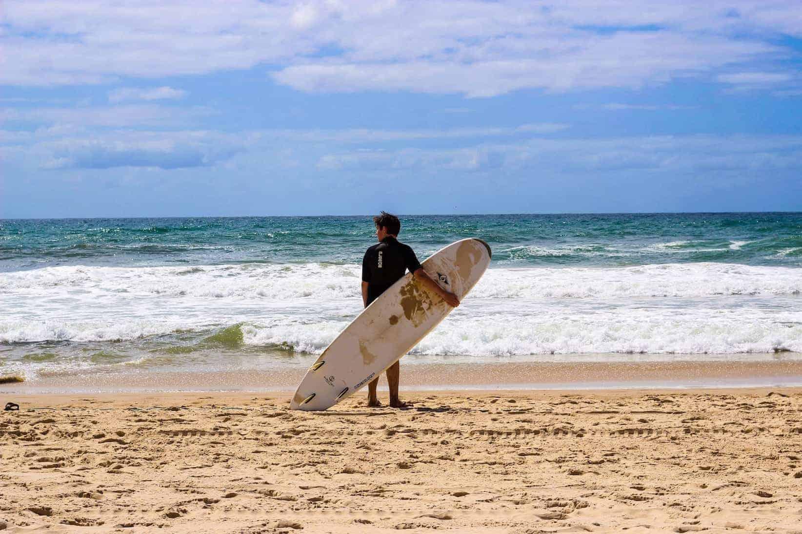 surf town Surfers Paradise