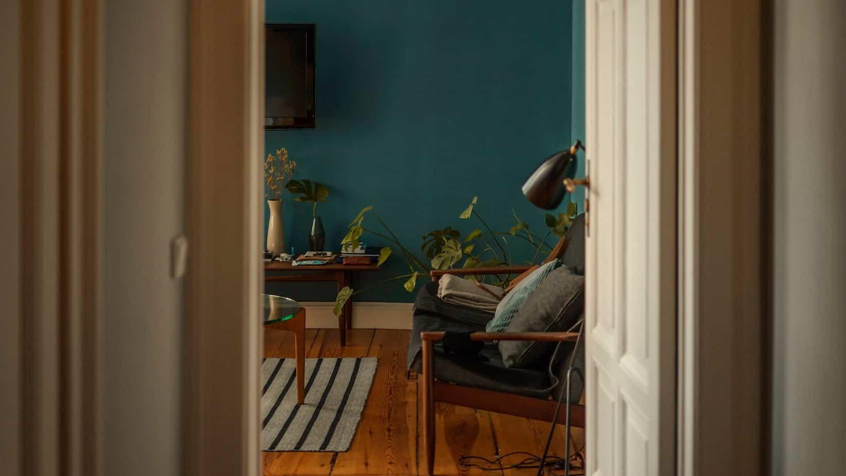 tips to brighten up windowless room